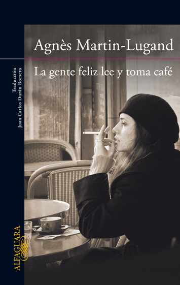 la-gente-feliz-lee-y-toma-cafe